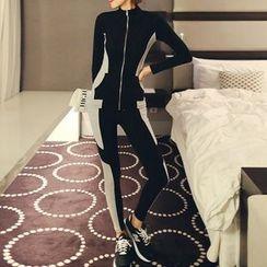Queen Bee - Printed Long-Sleeve Dress