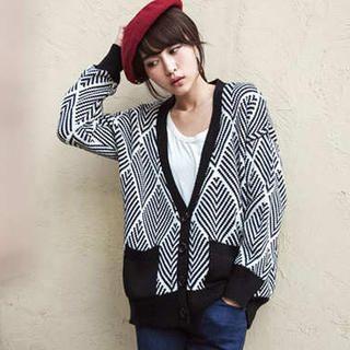 Tokyo Fashion - V-Neck Argyle Striped Cardigan
