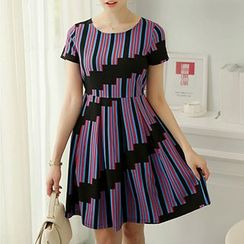 Q.C.T - Stripe Short-Sleeve Dress