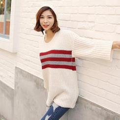 Envy Look - Set: 3/4-Sleeve Knit Tunic + Contrast-Trim Beanie