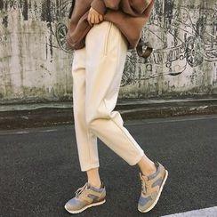 Moon City - Cropped Woolen Pants