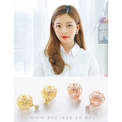 soo n soo - Perforated Floral Ball Earrings