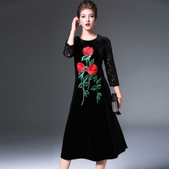 Elabo - Floral Embroidered Lace Panel Velvet Midi Dress