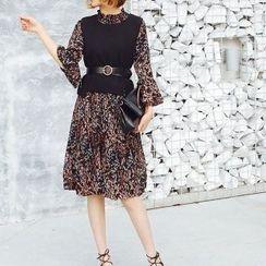 Romantica - Set: Floral Chiffon Dress + Knit Vest
