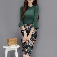 Wisteria - Set: Elbow-Sleeve Knit Top + Printed Pencil-Cut Skirt