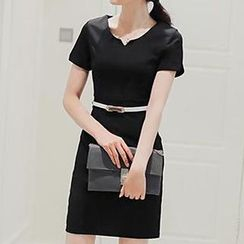 Hazie - Short-Sleeve Sheath Dress