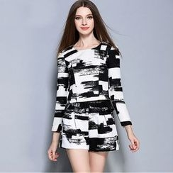 Cherry Dress - Set: Long-Sleeve Print Top + Shorts