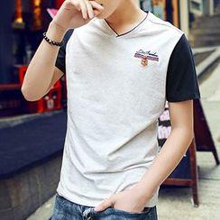 HANDA - Panel V-neck Short-Sleeve T-shirt