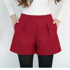 LITI - Pleated Woolen Shorts