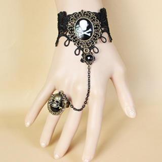 Fit-to-Kill - Lace Pirate Skull Bracelet