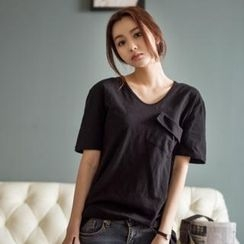 Styleberry - V-Neck Flap-Front T-Shirt