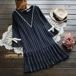 YOYO - Elbow-Sleeve Striped Dress