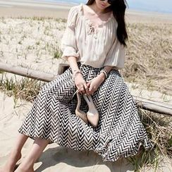 Rainbeam - Set: Ruffled Chiffon Top + Patterned Long Skirt