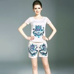 Elabo - Set: Embroidered Short-Sleeve T-Shirt + Shorts