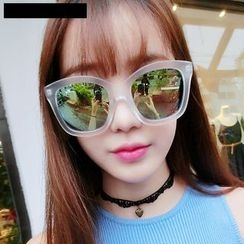 MOL Girl - Cat Eye Sunglasses