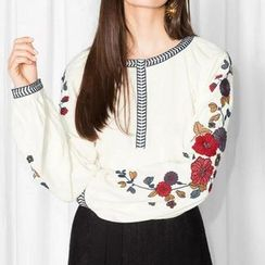 Chicsense - Embroidered Blouse