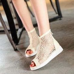 Pastel Pairs - Mesh Panel Sandals