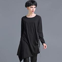 JUBO - Lettering Long-Sleeve Asymmetric Long T-Shirt