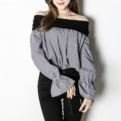 Champi - Long-Sleeve Off Shoulder Ruffle Top