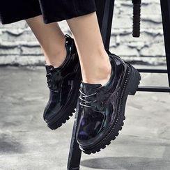 VIAN - Platform Patent Lace-Up Shoes