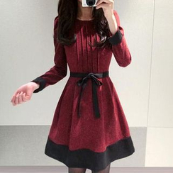 Oaksa - Bow Pintuck Long-Sleeve A-Line Dress