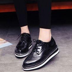Wello - Lace-Up Wingtip Platform Shoes