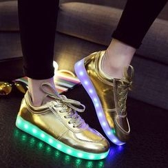 Yoflap - Patent Sneakers with LED Sole