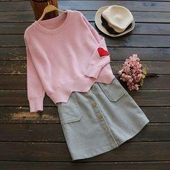 YOYO - Long-Sleeve Appliqué Knit Top