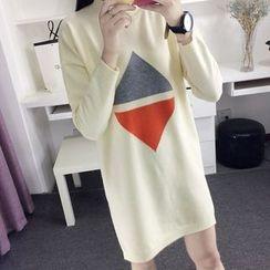 YAMI - Triangle Print Long Sweater