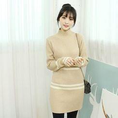 Dodostyle - Contrast-Trim High-Neck Ribbed Knit Dress
