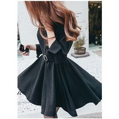 Chlo.D.Manon - Belted A-Line Pleat Dress