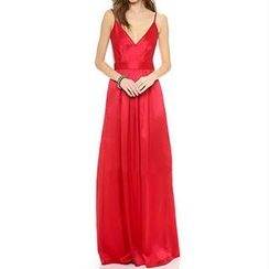 Dream a Dream - Sleeveless Open-Back Evening Gown
