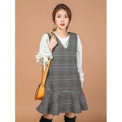 LOLOten - Sleeveless Ruffle-Hem Plaid Wool Blend Dress