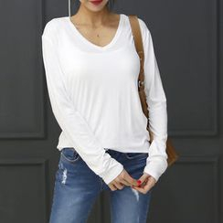 DANI LOVE - V-Neck Long-Sleeve T-Shirt