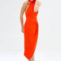 Obel - Sleeveless Stand Collar Slit Midi Dress