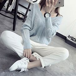 FR - Cable Knit V-Neck Sweater