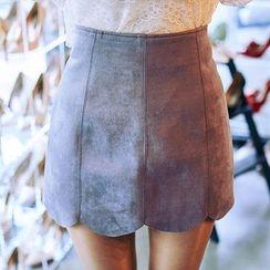 chuu - Scallop-Hem Faux-Suede Mini Skirt