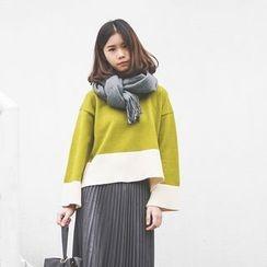 Polaris - Color Block Sweater