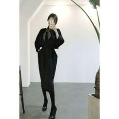 ATTYSTORY - Dolman-Sleeve Shirred Midi Dress