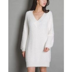 GUMZZI - V-Neck Knit Dress
