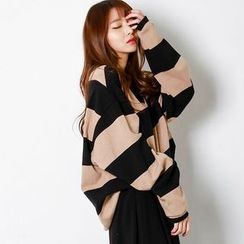 FASHION DIVA - V-Neck Stripe Oversized Pullover