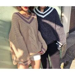 HOTPING - V-Neck Contrast-Trim Knit Top