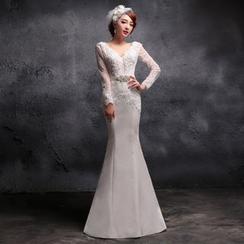 Coeur Wedding - Lace Trim V-Neck Long Sleeve Wedding Ball Gown
