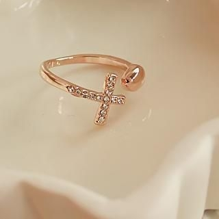 Love Generation - Heart Rhinestone Cross Ring