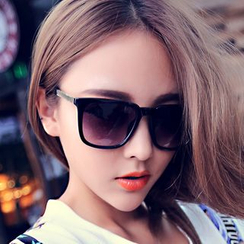 FaceFrame - Square Sunglasses