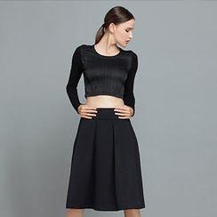 YiGelila - High-Waist Shirred Midi Skirt