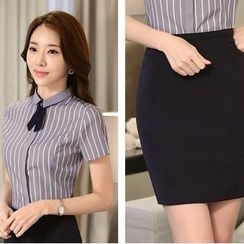 Princess Min - Set: Short-Sleeve Striped Blouse + Pencil Skirt