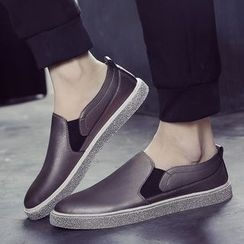 Chariot - Faux-Leather Slip-Ons