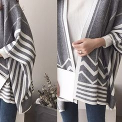 DAILY LOOK - Pattern Wool Blend Poncho