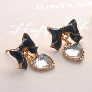 Fit-to-Kill - Bowknot Crystal Heart Earrings - Black
